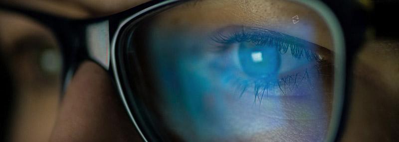 Neuheit von ZEISS: AdaptiveSun - Sonnenbrillengläser  bei Optik Graf in Lahr